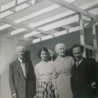 AP244 Norman, Elaine, Nana and Arthur Prior.jpg
