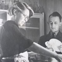 AP204 Arthur Prior in uniform with Mary in 1944.jpg